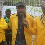 Menolak Keputusan Rektor, Penggurus BEM & MPM Demo.